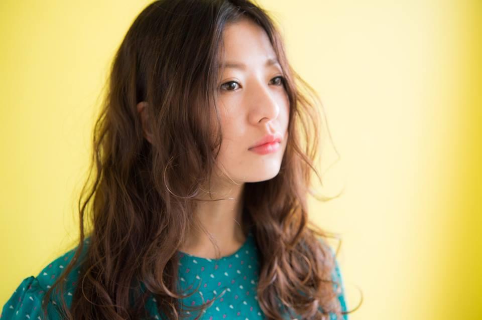 口コミで人気の自由が丘の美容室(ヘアアロン,美容院)keep hair designが提案するロングパーマヘアスタイル