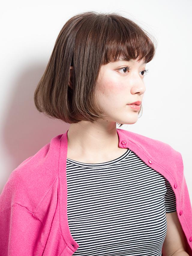 口コミで人気の自由が丘の美容室(ヘアアロン,美容院)keep hair designが提案するアッシュ系ストレート前髪ぱっつんボブスタイル
