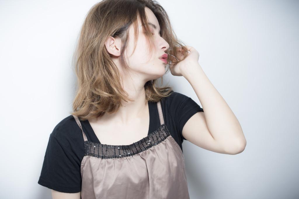 口コミで人気の自由が丘の美容室(ヘアアロン,美容院)keep hair designが提案するミディアムダメージ毛にデジタルパーマ