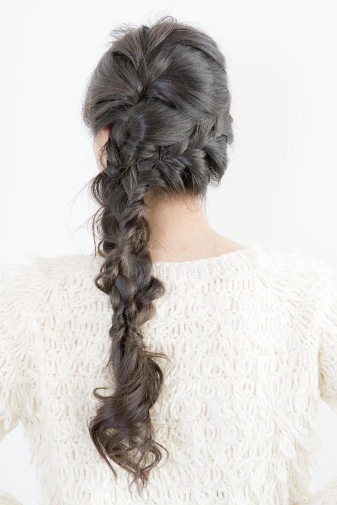 口コミで人気の自由が丘の美容室(ヘアアロン,美容院)keep hair designが提案する黒髪ロング編みこみアレンジ