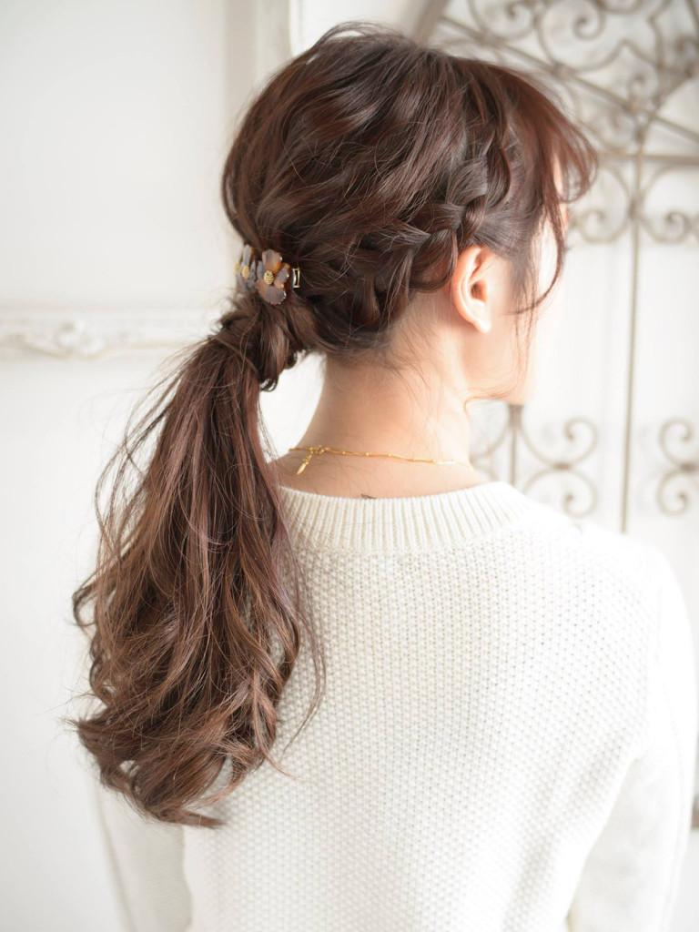 口コミで人気の自由が丘の美容室(ヘアアロン,美容院)keep hair designが提案する黒髪ゆるふわロングの編みこみヘアアレンジ