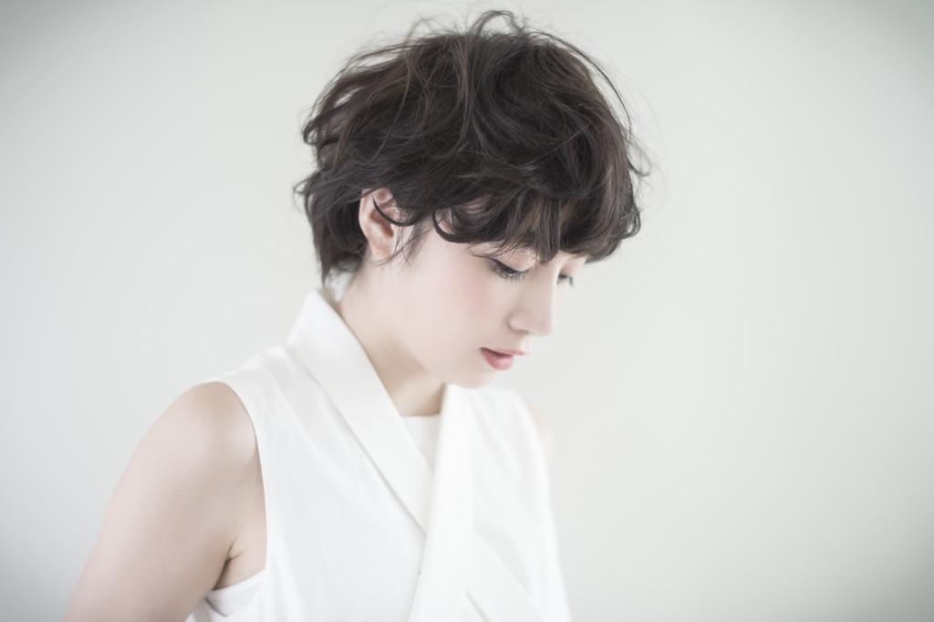 口コミで人気の自由が丘の美容室(ヘアアロン,美容院)keep hair designが提案する前髪ベリーショートパーマヘアスタイル