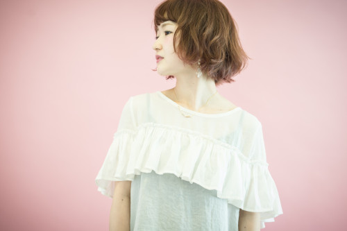 ピンクレッド系インナーカラー/ゆるふわボブ(齋藤綾乃)