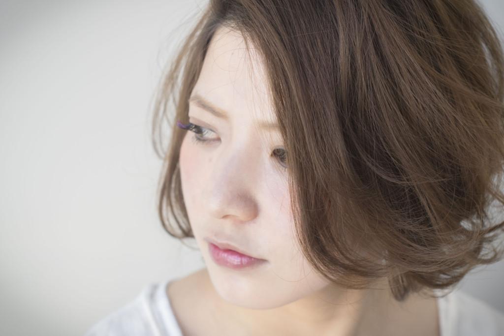 ベージュヘアカラーボブスタイル(齋藤綾乃)