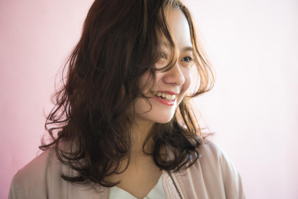 自由が丘美容室 keep hair design スタイリスト 齋藤綾乃 パーマロングヘアスタイルおくれれ毛